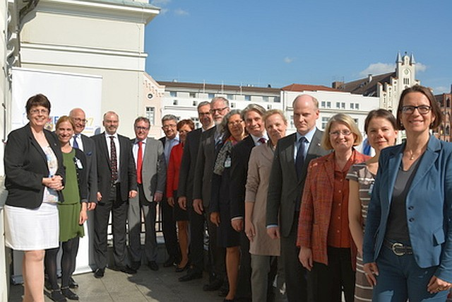 Gruppenbild der Mitglieder der Europaministerkonferenz